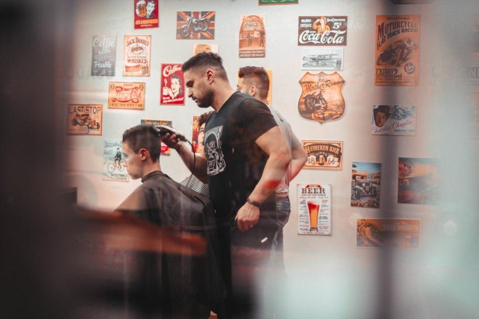 mens hair stylist near me